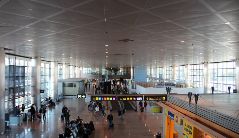 Madrid airport Terminal 3 by Jose Masot