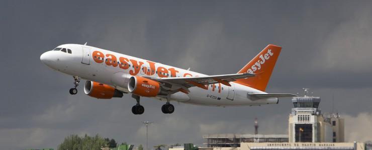 Easyjet takeoff in Madrid airport / Javier Pedreira