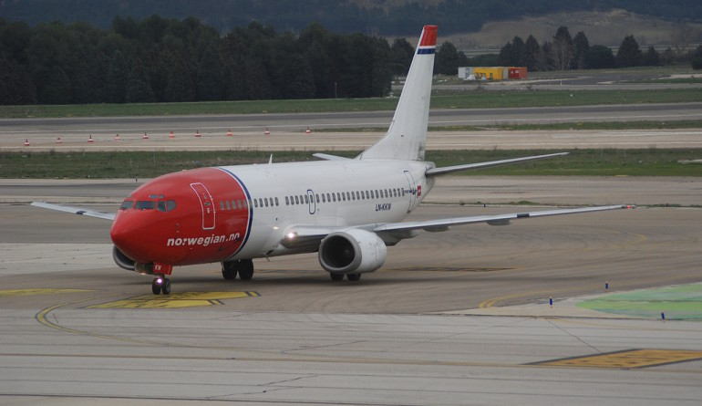 Norwegian B737 LN-KKW at Madrid / Aero Icarus