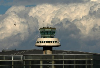 Barcelona airport ATC tower / Victor