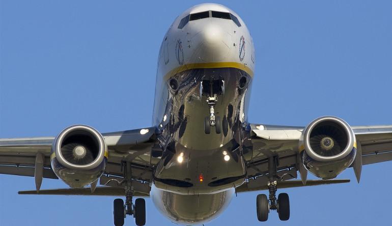 Ryanair aircraft landing / Flickr - Leoncio J