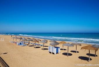 La Mata beach in Torrevieja, Alicante / Costa Insider