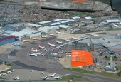 Many aircrafts grounded in Luton airport because of the volcanic activity in April 2010 / Flickr - Geoff Collins