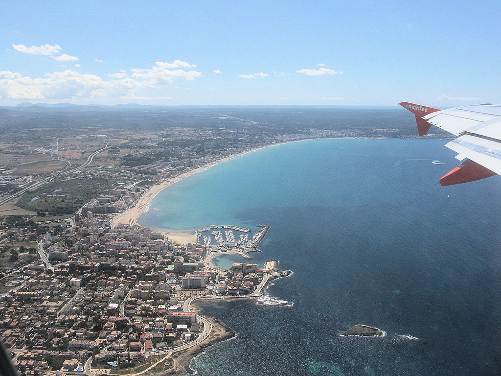 Can Pastilla, near Palma Airport, Mallorca, Spain, seen from an Easyjet A319 just taken off from Palma Airport on its way to Bristol, England / Arpingstone