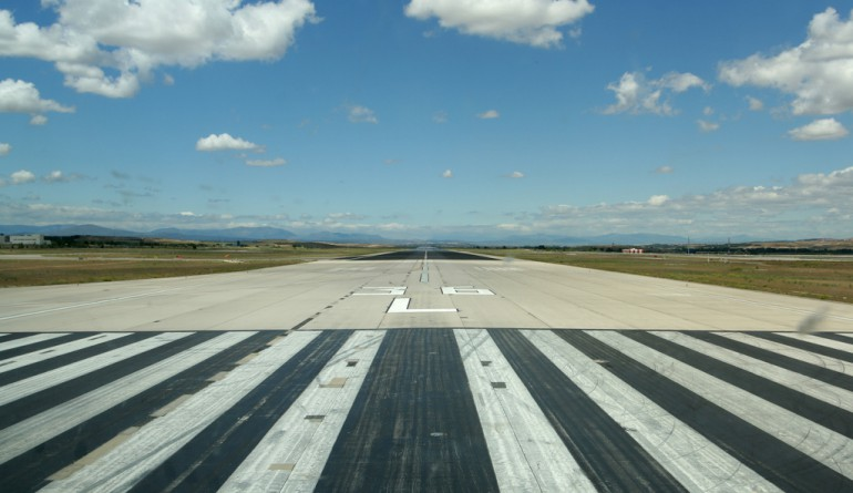 Runway at Barajas airport Madrid by Oz-Flickr