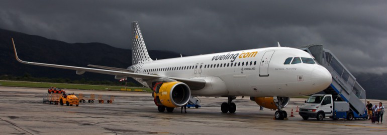 Vueling A320 in Dubrovnik by Victor – Flickr
