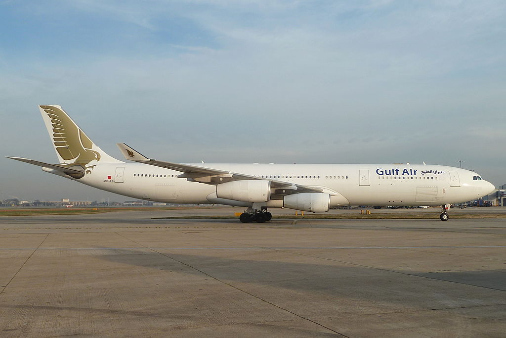 A9C-LG A343 in a basic Gulf Air color scheme before being painted as Plus Ultra by John Taggart / Wikimedia Commons