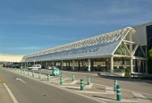 Terminal C of Palma de Majorca Airport by Wusel007 - Wikimedia Commons