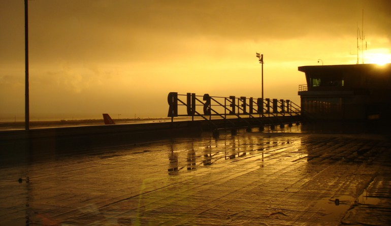 Tenerife Sur Airport Terminal/Flickr - MarinoCarlos