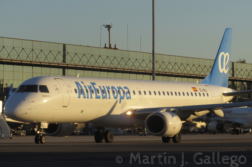 Air Europa's Embraer 195LR with the new livery by Martin J. Gallego - Flickr