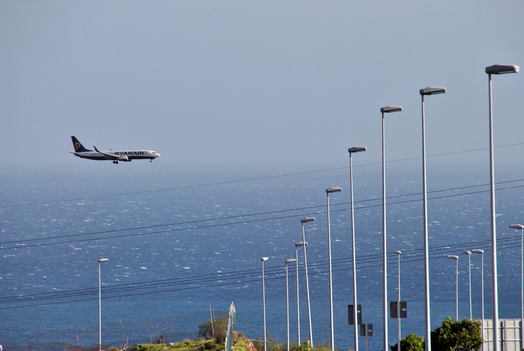 Ryanair arriving in Tenerife South by Carlos Lopez Echeto Marrero