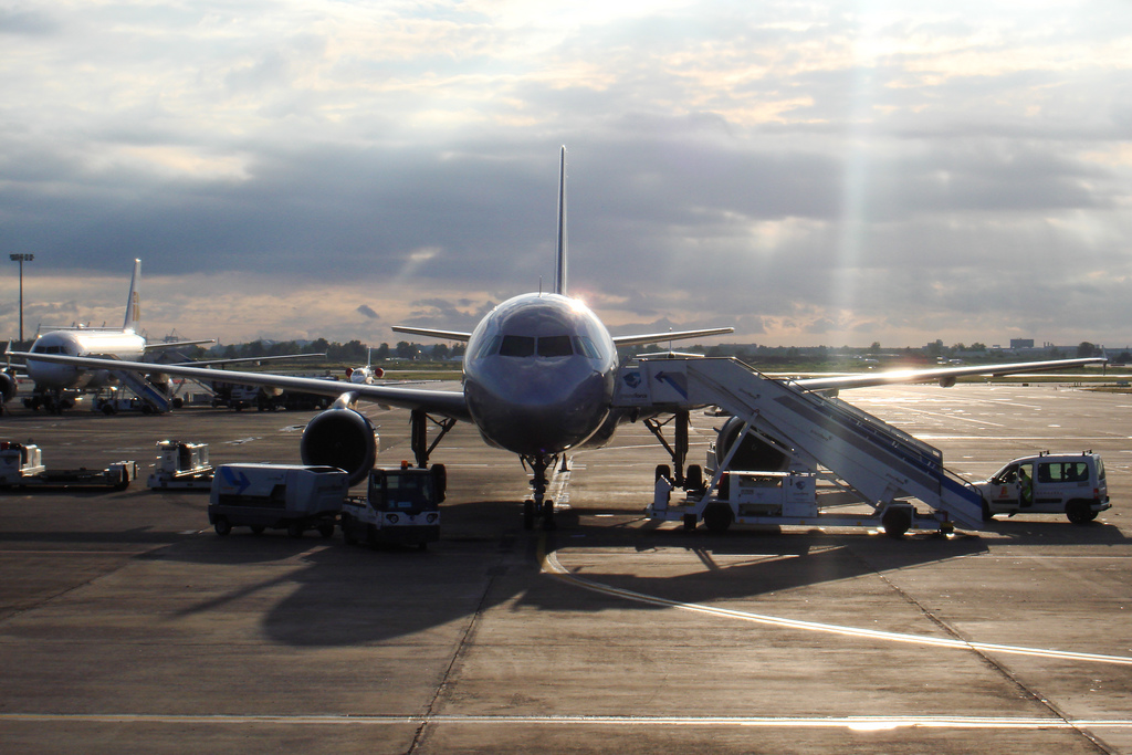 Aircraft at the Ibiza airport's platform by Jordi Sanchez Teruel - Flickr
